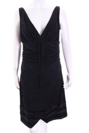 Viktoria Moser Cocktailkleid schwarz klassischer Stil