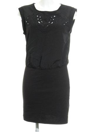 Vila Blusenkleid schwarz grafisches Muster Zierlochung