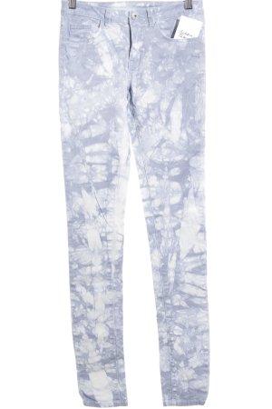 Vila High-Waist Hose blassblau-wollweiß abstraktes Muster Casual-Look