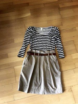 Vila Kleid inklusive Gürtel - Ungetragen