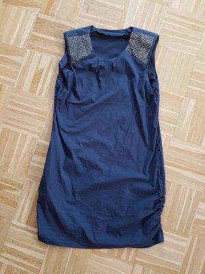 Vila Kleid mit Schulternieten