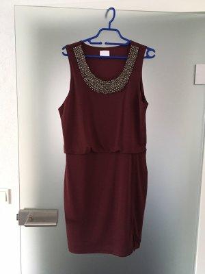 Vila Kleid mit Statement -Perlenkragen