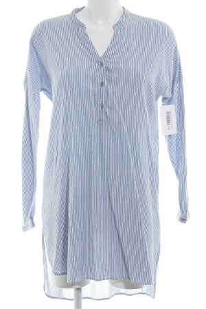 Vila Long-Bluse kornblumenblau-weiß Streifenmuster Street-Fashion-Look