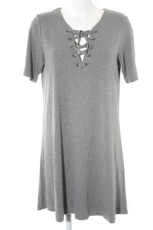 Vila Shirtkleid grau Street-Fashion-Look