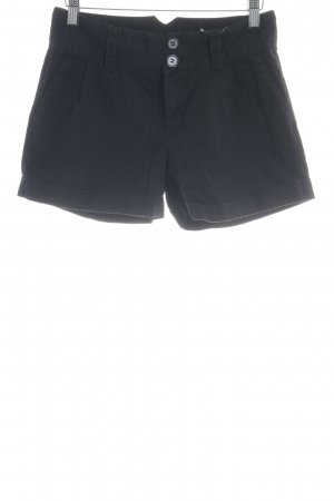 Vila Shorts schwarz Street-Fashion-Look