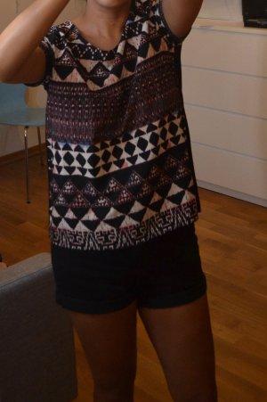 VILA T- Shirt schwarz mit Ethno Muster