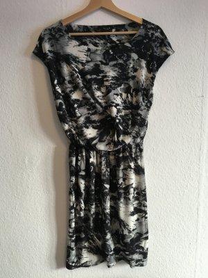 VILA Wickelkleid, kurzes Kleid, gemustert