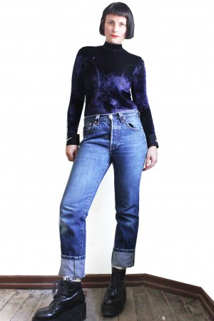 Vintage 90s Levis 501 Mid Waist Jeans