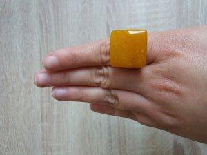 Vintage Bakelite Ring
