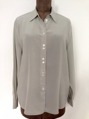 Vintage Bluse aus 100% Seide in hellgrau, Gr. 42 (passt ab Gr. 38)