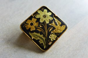 Vintage Brosche Anstecker gold schwarz Vogel Blumen Blüten 60er 70er 80er