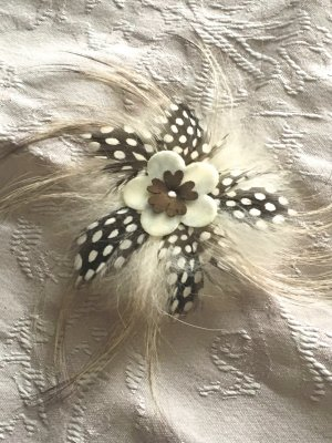 Vintage Brooch natural white-dark brown pelt