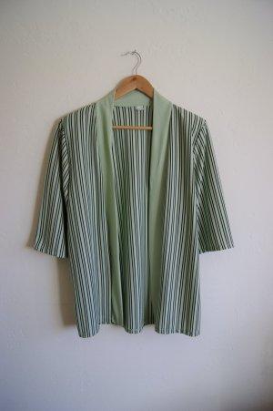 Blusa tipo kimono verde hierba