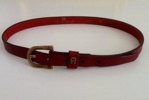 Aigner Cinturón de cuero carmín-marrón arena Cuero