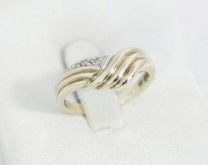 Vintage Diamantring 333 gold mit 3 Diamanten 333er echtgold Goldring Gelbgold
