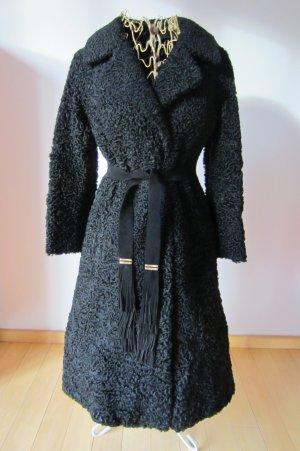 Vintage: Edler tiefschwarz-glänzender Echt-Pelzmantel, talliert mit Gürtel