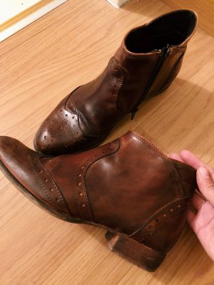 Vintage Italian ankle boots