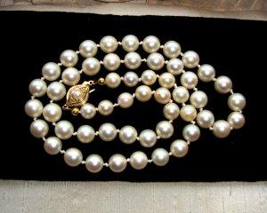 Vintage Kette Collier weiße Echtperlen 7 mm + 925 Silber vg Gold Schließe