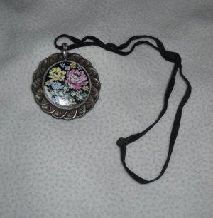 Vintage Kette Halskette h m Anhäger Blumen Blüten Flowers Alt Selten Handmalerei