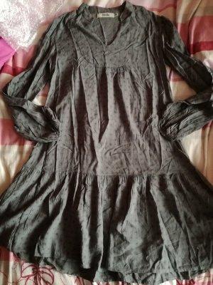 Vintage Kleid mit Blumenprint von Bershka