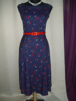 Robe avec jupon bleu-rouge tissu mixte