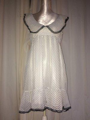 Vintage Kleid mit Rüschen und Punkten