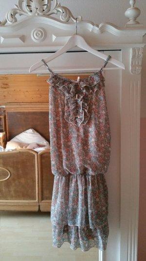 Vintage-Kleid verspielt