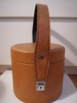Bolso barrel ocre-color bronce