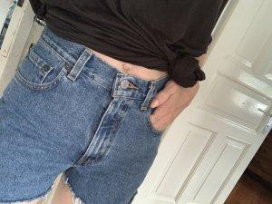 Vintage Levi`s Shorts aufgearbeitet 34 Jeansshorts Hotpants Denim