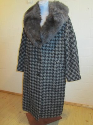 VINTAGE-MANTEL: Grauer handgefertigter Mantel, 100% Schurwolle ca. Gr. 44