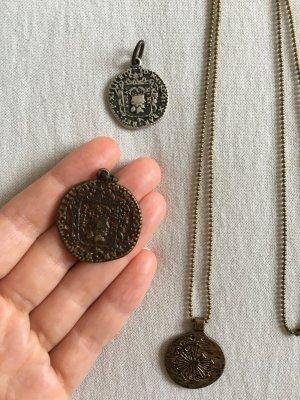 Vintage Medaillen in Antik Look