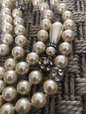 Collana di perle crema
