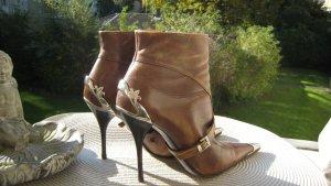 Vintage´Provokant Frech & Sexy Stilettos Stiefeletten Luxus Kunststücke Steigbügel Metallbeschläge Top