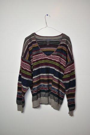 Vintage Pullover mit Streifen und verschiedenen Mustern