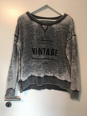 Vintage Review Pullover