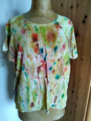 Top in seta multicolore