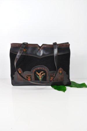 Vintage Tasche mit Samt und floralen Stickereien