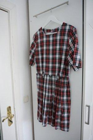 Vintagekleid mit Karomuster