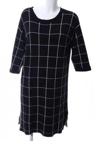 Violeta Sweater Dress black-white check pattern casual look