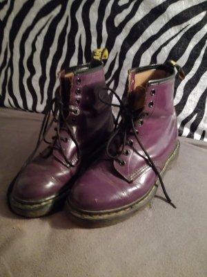 violette Doc Martens