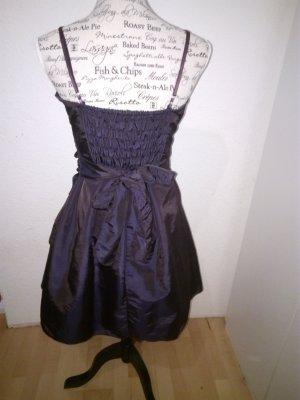 Violettes Kleid für tollen Preis
