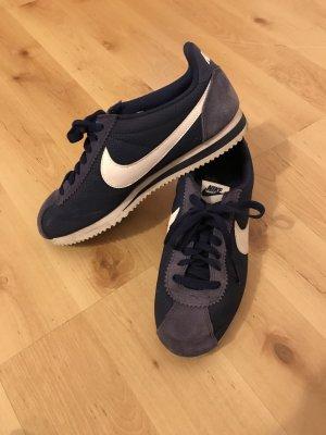 Violettfarbene Nike Cortez Gr. 41