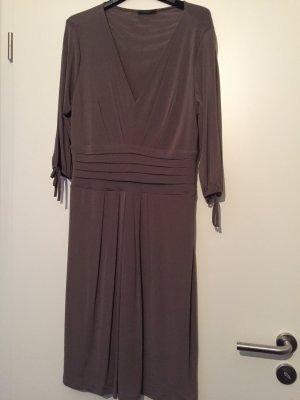 Viskose Mix Kleid mit V-Ausschnitt