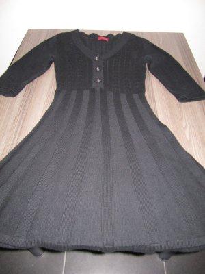 Vivien Caron - Strickkleid - schwarz - 3/4 Ärmel - V-Ausschnitt