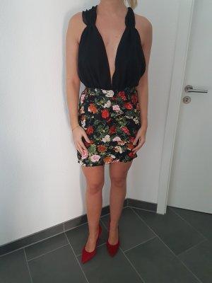 Volant Blumenkleid Asos mit viel Auschnitt 38