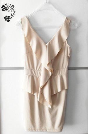 Vestido estilo flounce crema