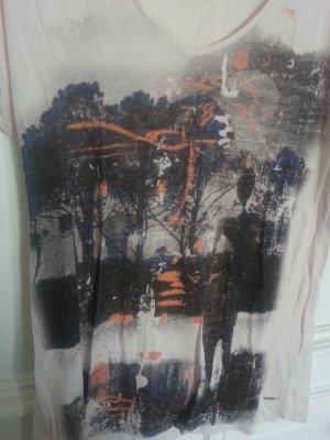 Vorderseitiges bedrucktes Shirt