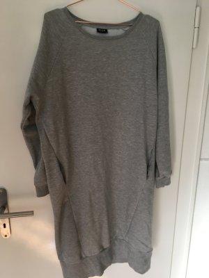 Wadenlanges Sweatshirt-Kleid