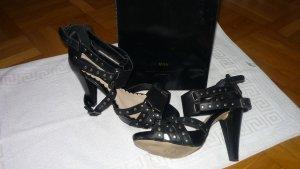 Wahnsinns High Heels in schwarz mit Nieten