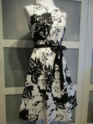 Wallis Robe avec jupon noir-blanc cassé coton